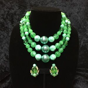 Jewelry - Vintage Green Beaded Necklace & Earring Set (b008)